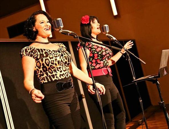 2 Divas Singing Group Brisbane - Musicians Singers Entertainers - 1940s
