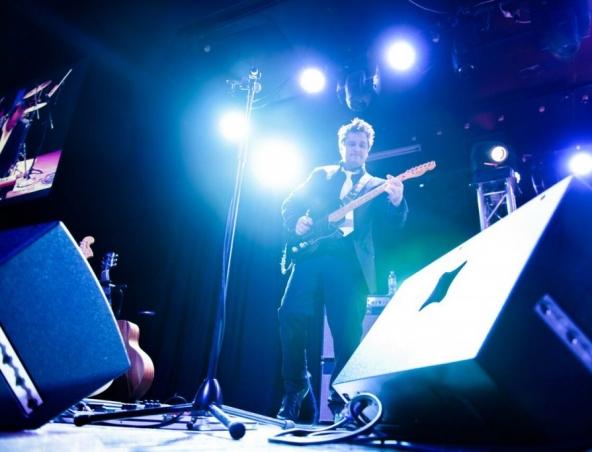 Crowded House Tribute Brisbane Band - Tribute Show