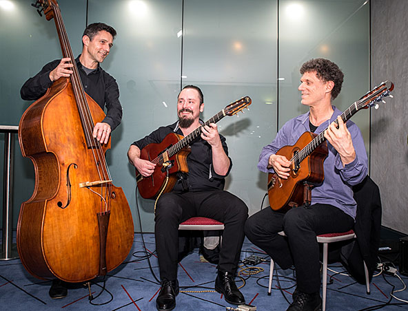 Gypsy Jazz Trio Perth - Jazz Bands - Musicians - Entertainers