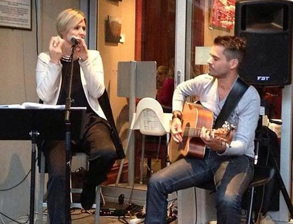 KT Buzz Duo Acoustic Duo Adelaide