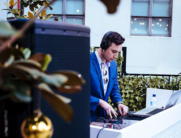 Melbourne Wedding DJ - Daniel