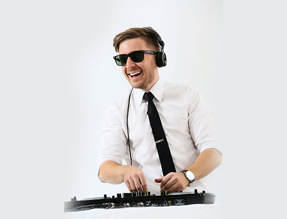 Wedding DJ Luke - Melbourne Djs - Disc Jockey