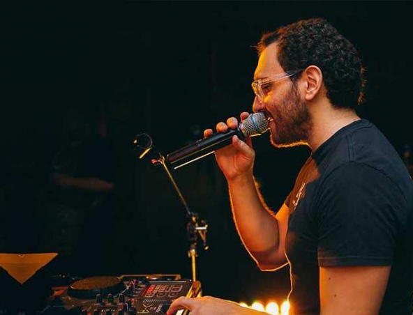 Nicky C Brisbane Singing DJ