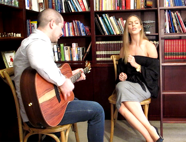 Acoustic Duo Sydney Nat and Mark - Singers Musicians
