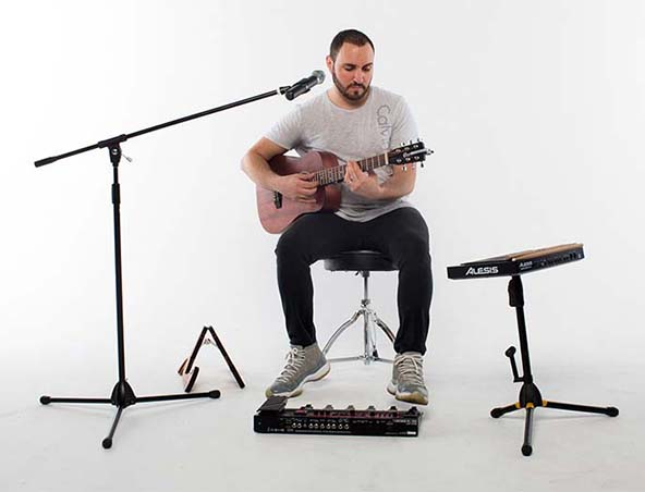 Nicky C Brisbane Acoustic Soloist Singer