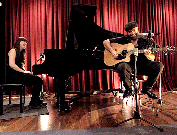 Adelaide Acoustic Duo Andy and Emily - Musicians Singers