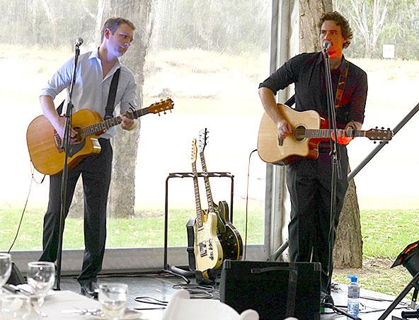 Brightside Acoustic Duo Melbourne - Singers - Musicians Entertainers Hire