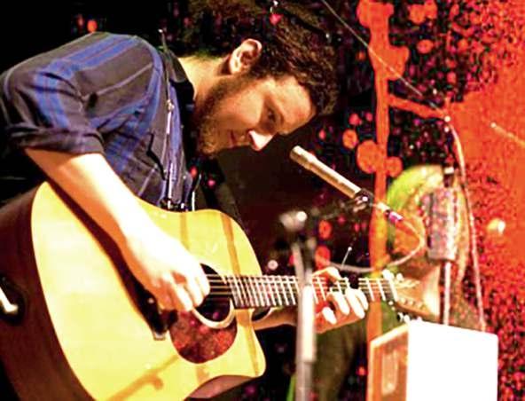 Gaz Acoustic Soloist Singer Musician Brisbane