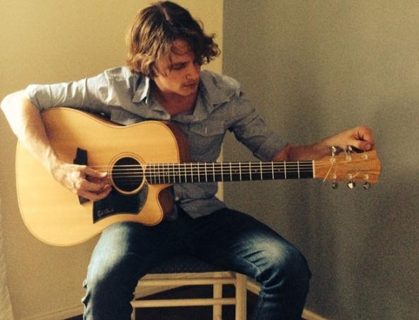Henry Acoustic Soloist - Perth Singers - Musicians Entertainers