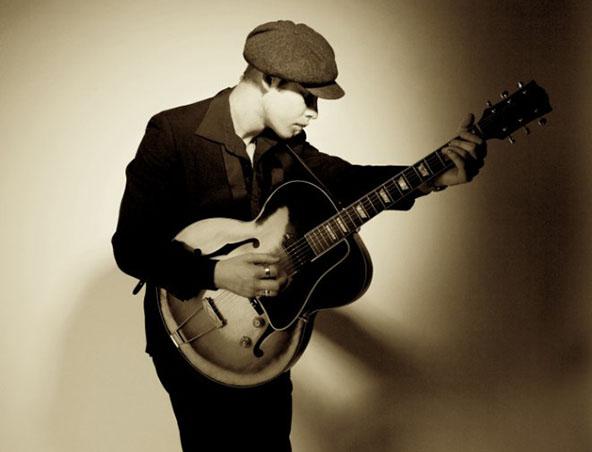 Sydney Guitarist Singer - Jordan