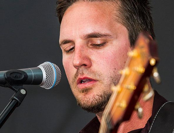 Jordan Acoustic Soloists Sydney - Singers Musicians - Entertainers