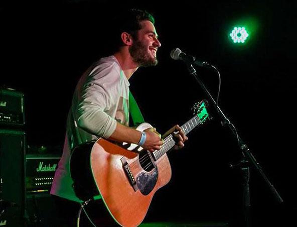 Melbourne Acoustic Soloist Joey