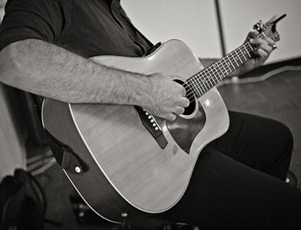 Shannon Acoustic Soloist Adelaide - Wedding Singer - Musician