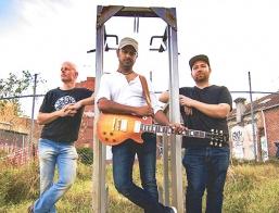 Ash Ravens Trio